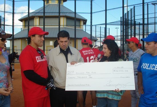 OSVALDO RIOS SOFTBALL CELEBRITIES GAME FOR KIDS- 26 DE NOVIEMBRE 2008